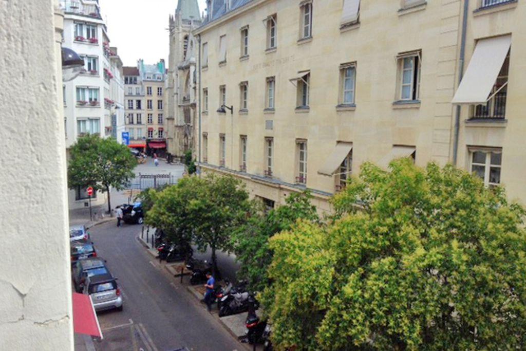 Paris - Left Bank - Gallery