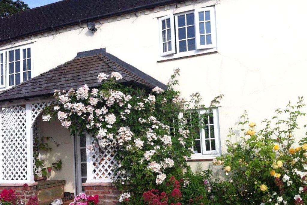 Mulsford Cottage - Gallery