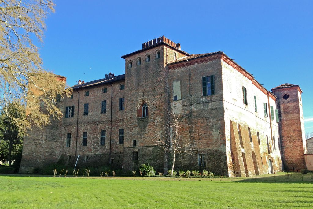 Castello Sannazzaro - Gallery