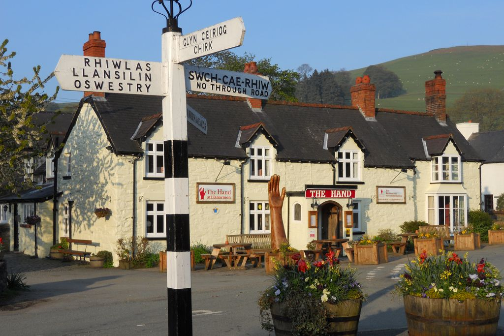 The Hand at Llanarmon - Gallery