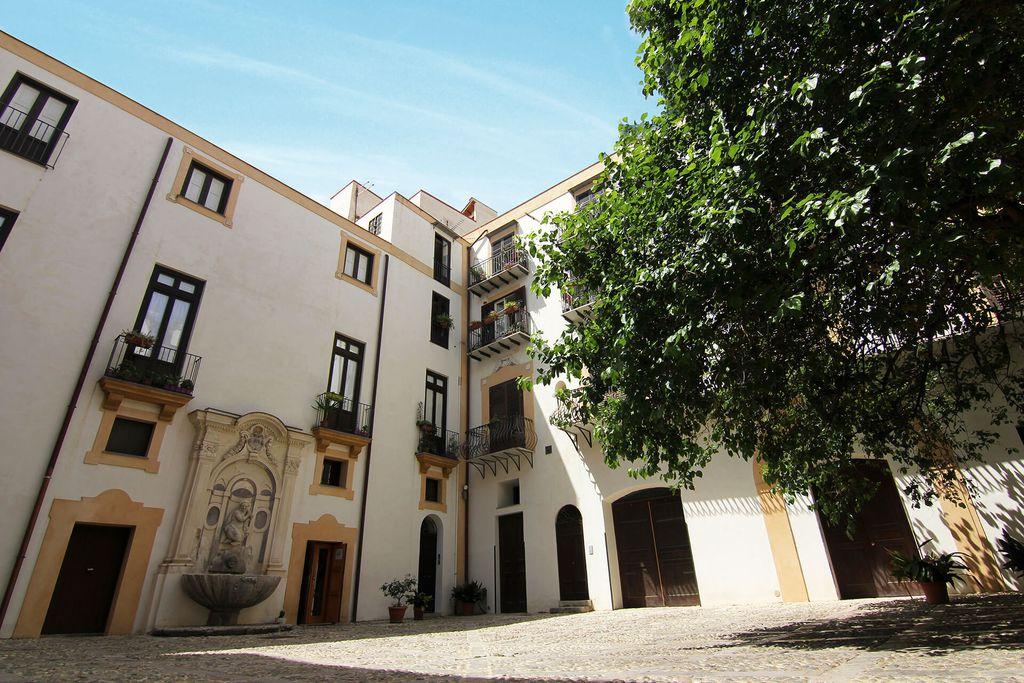 Palazzo Lungarini gallery - Gallery