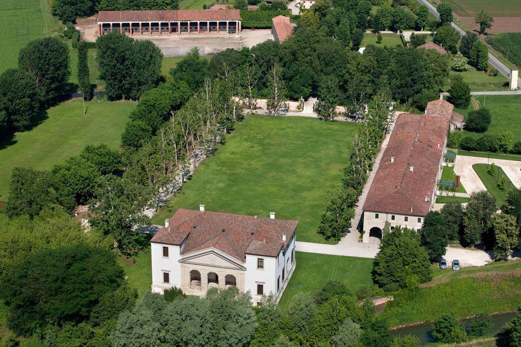 La Barchessa Di Villa Pisani - Gallery
