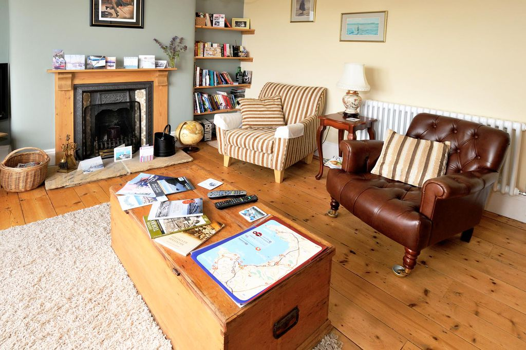 Beacon House Bed And Breakfast Brixham