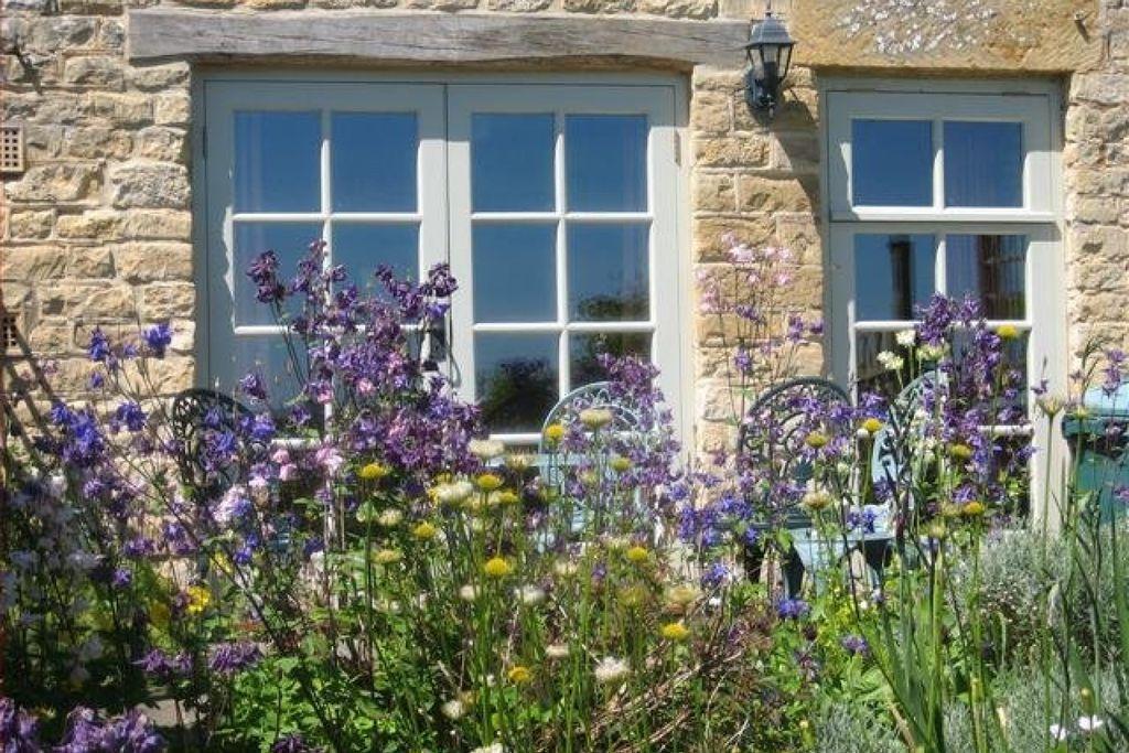 Skylark Cottage gallery - Gallery