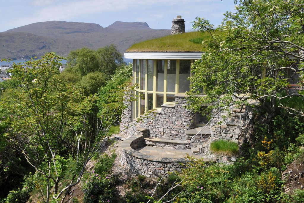 Exterior of Treetop House in Scotland