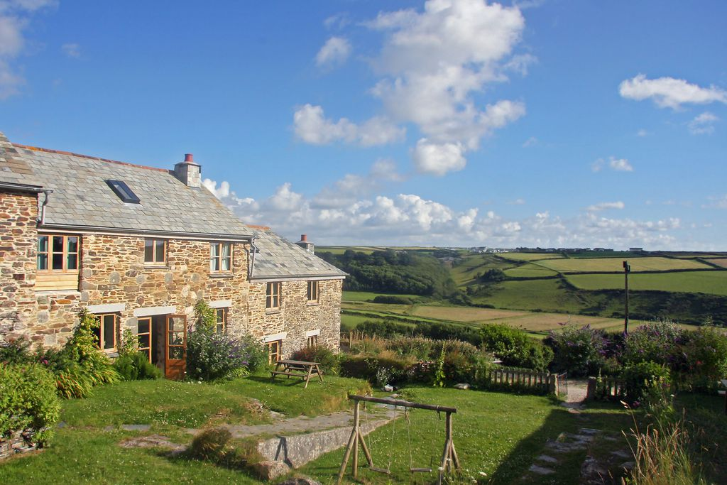 Exterior view of 5&6 Porth Farm Cottages in Devon