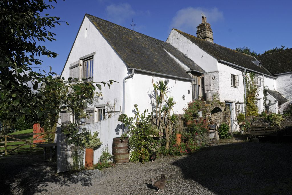 Exterior of The Old Shippon, Beara Farmhouse in Devon