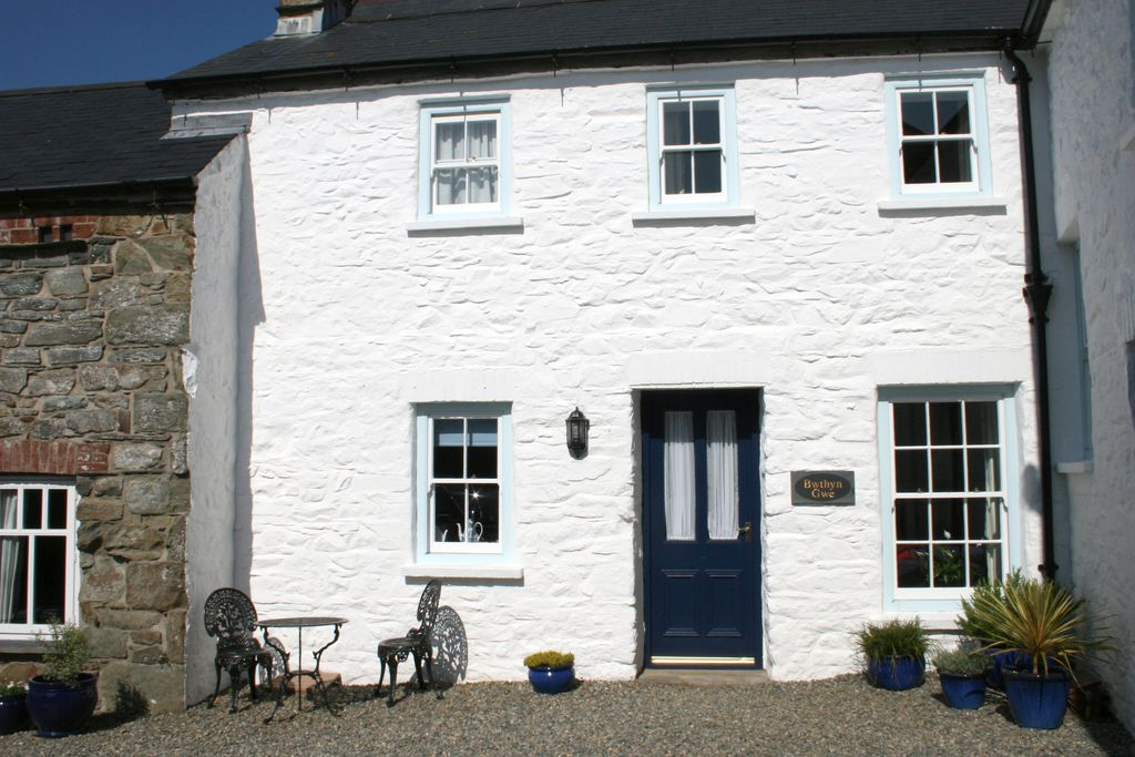 The courtyard at Bwthyn Gwe cottage in St David's, Pembrokeshire