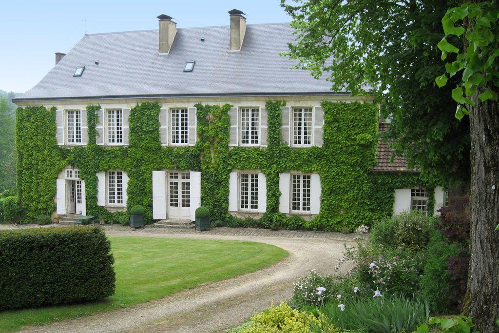 Le Bourdil Blanc - Gallery