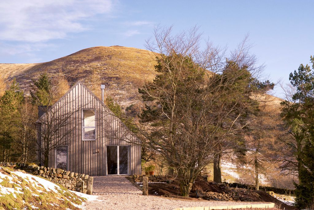 The Woodshed in Penicuik, Midlothian in the Scottish countryside, sitting alone on a mountain with private garden and wood-fired hot tub