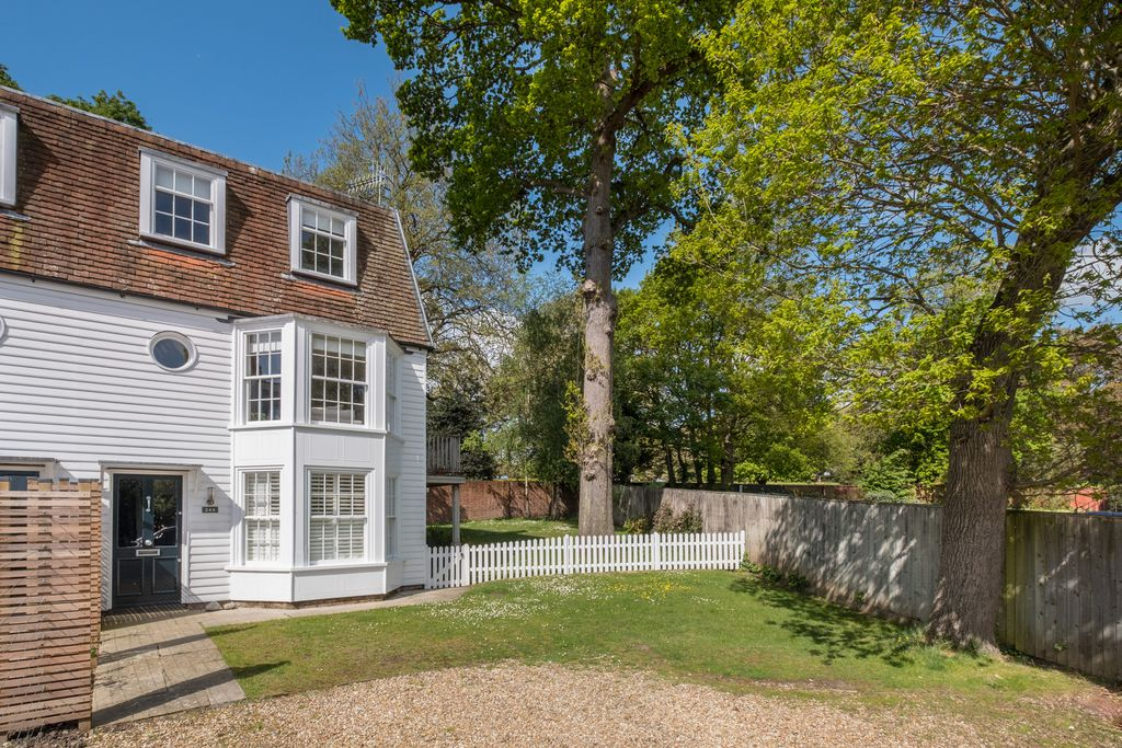 24a Castle Road - Gallery