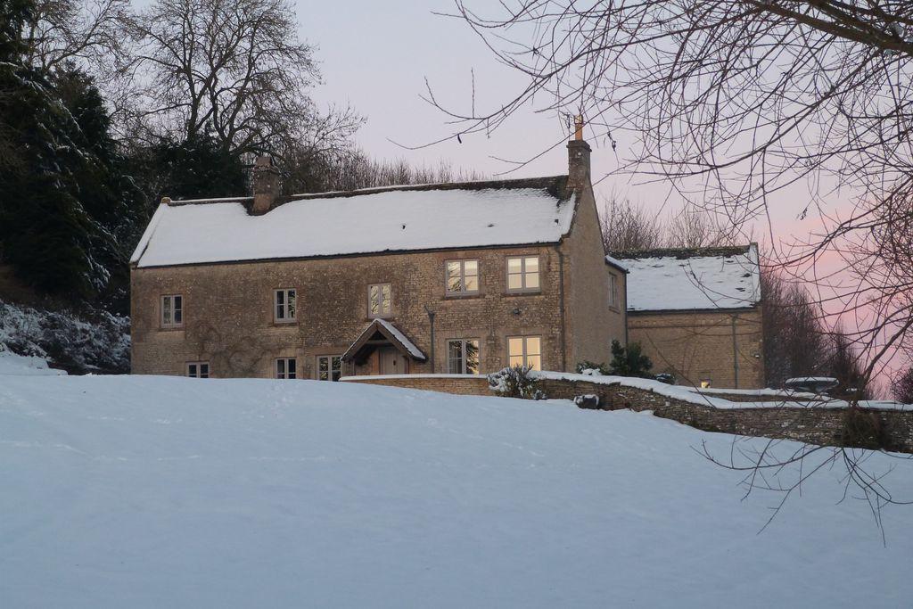 Calcot Peak House gallery - Gallery