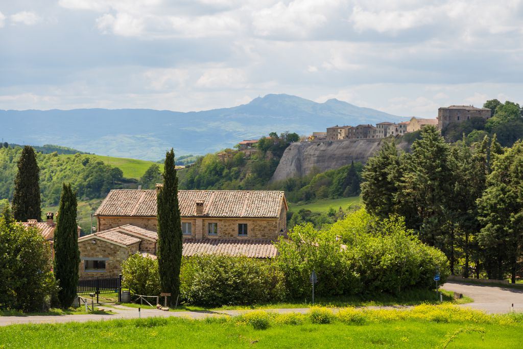 Podere Orto Wine Country House bed and breakfast with gorgeous views of Viterbo