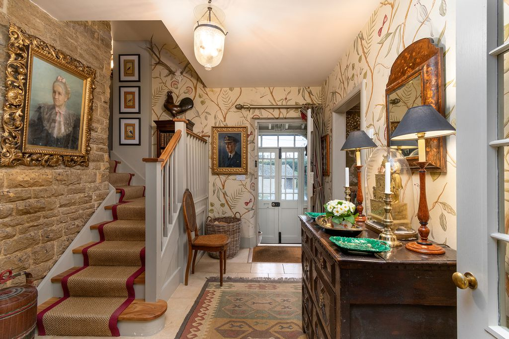 Easter Cottage - Gallery