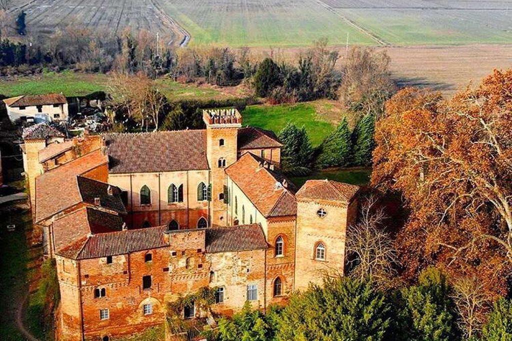 Castello Sannazzaro gallery - Gallery