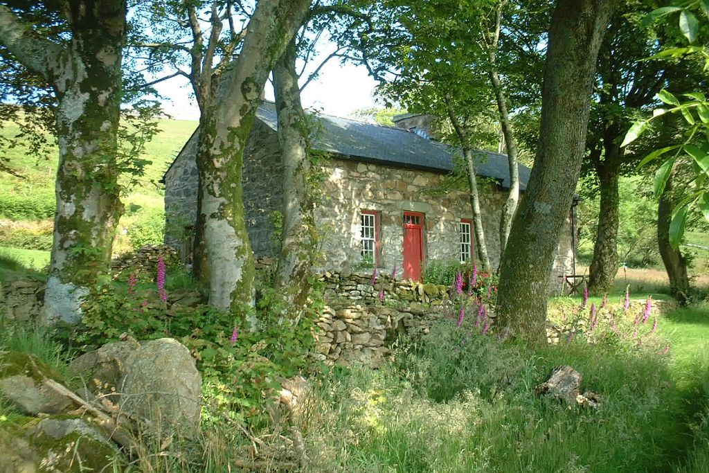 Mountain Cottage - Gallery