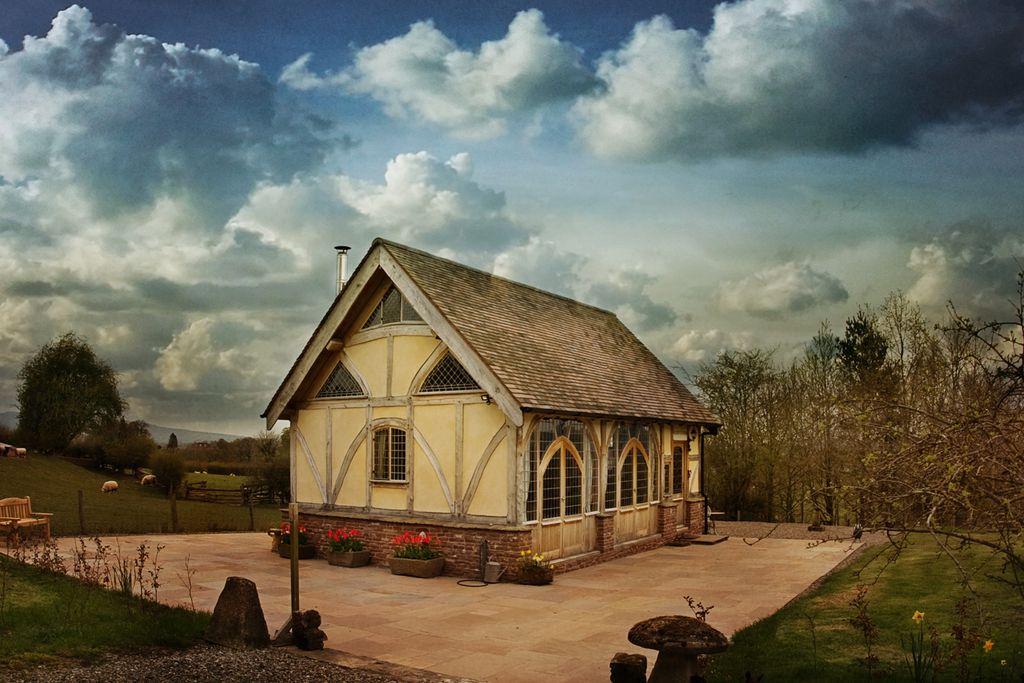 Ebony Cottage - Gallery