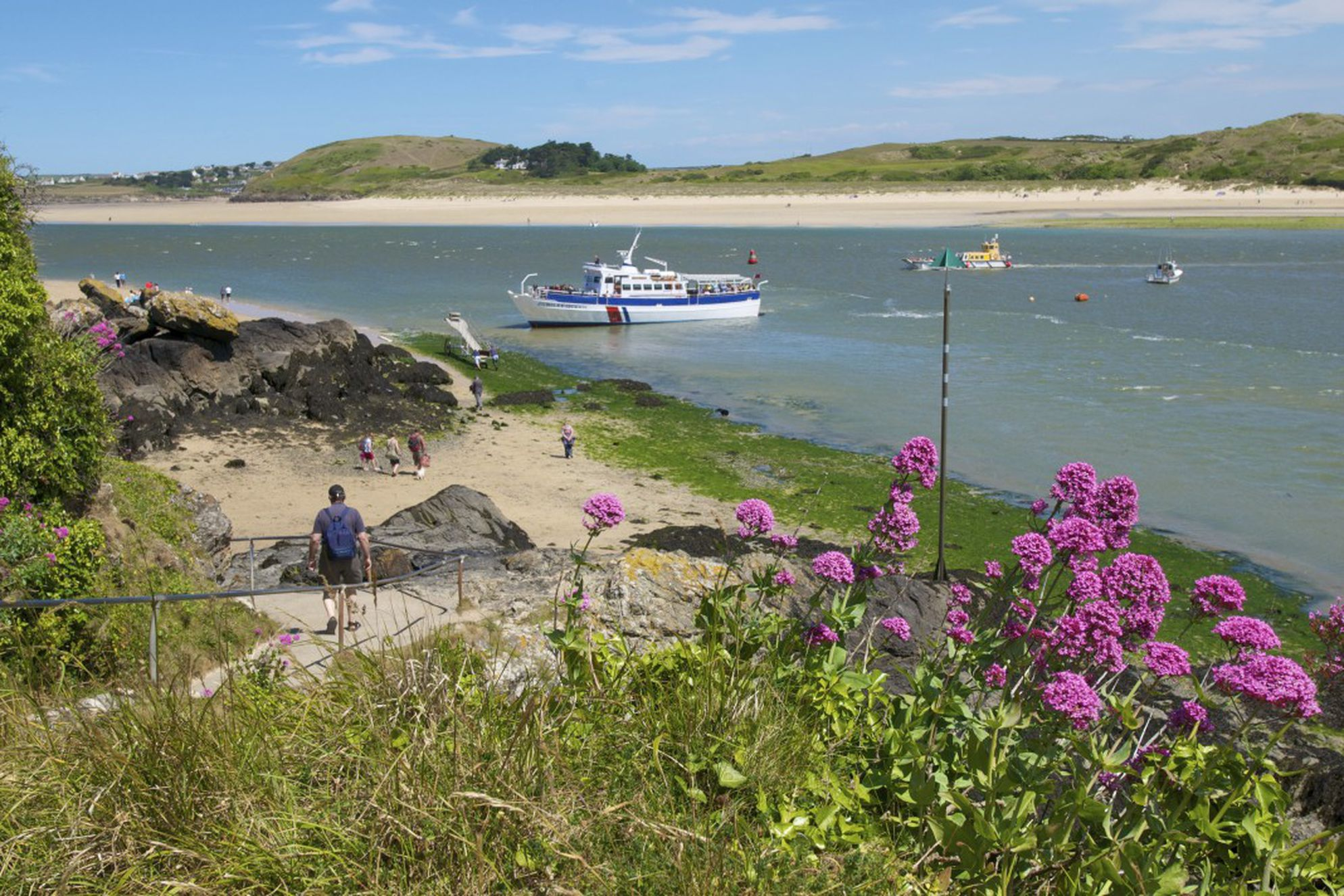 Jubilee Queen and the Padstow to Rock ferry in the Camel Estuary