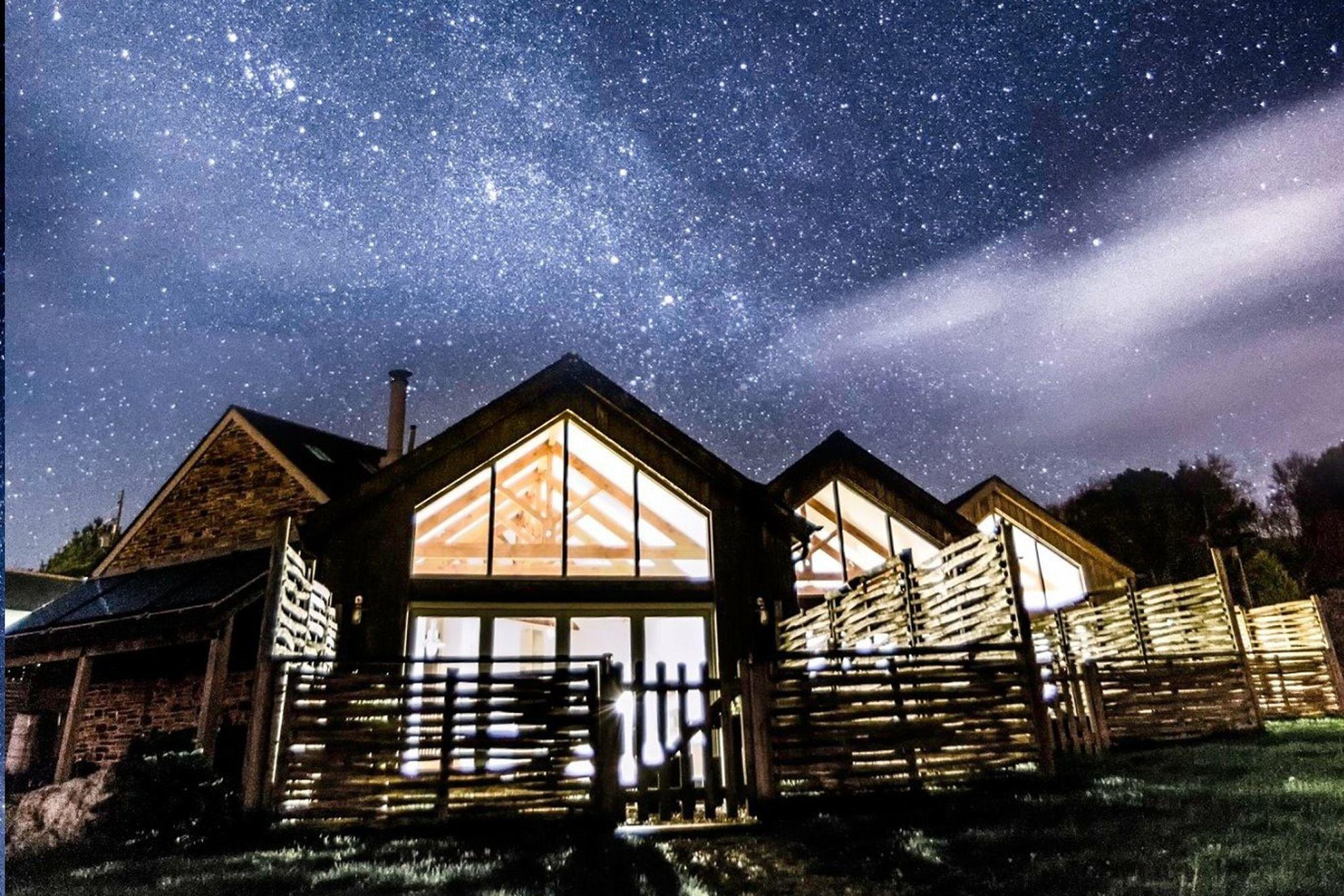 Merlin Farm Cornwall sitting under a breathtaking starry night sky