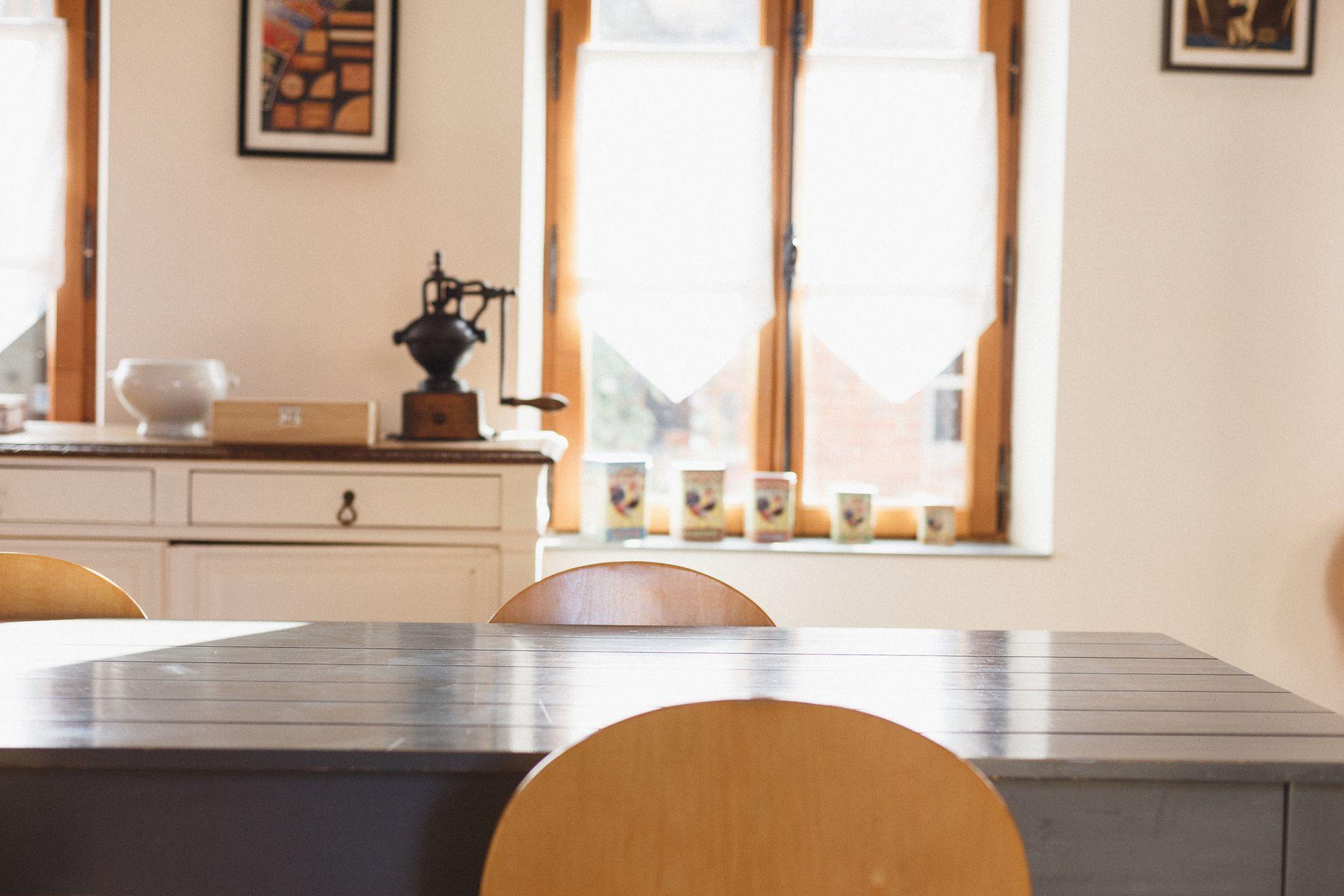 Dining room table at La Lévrière