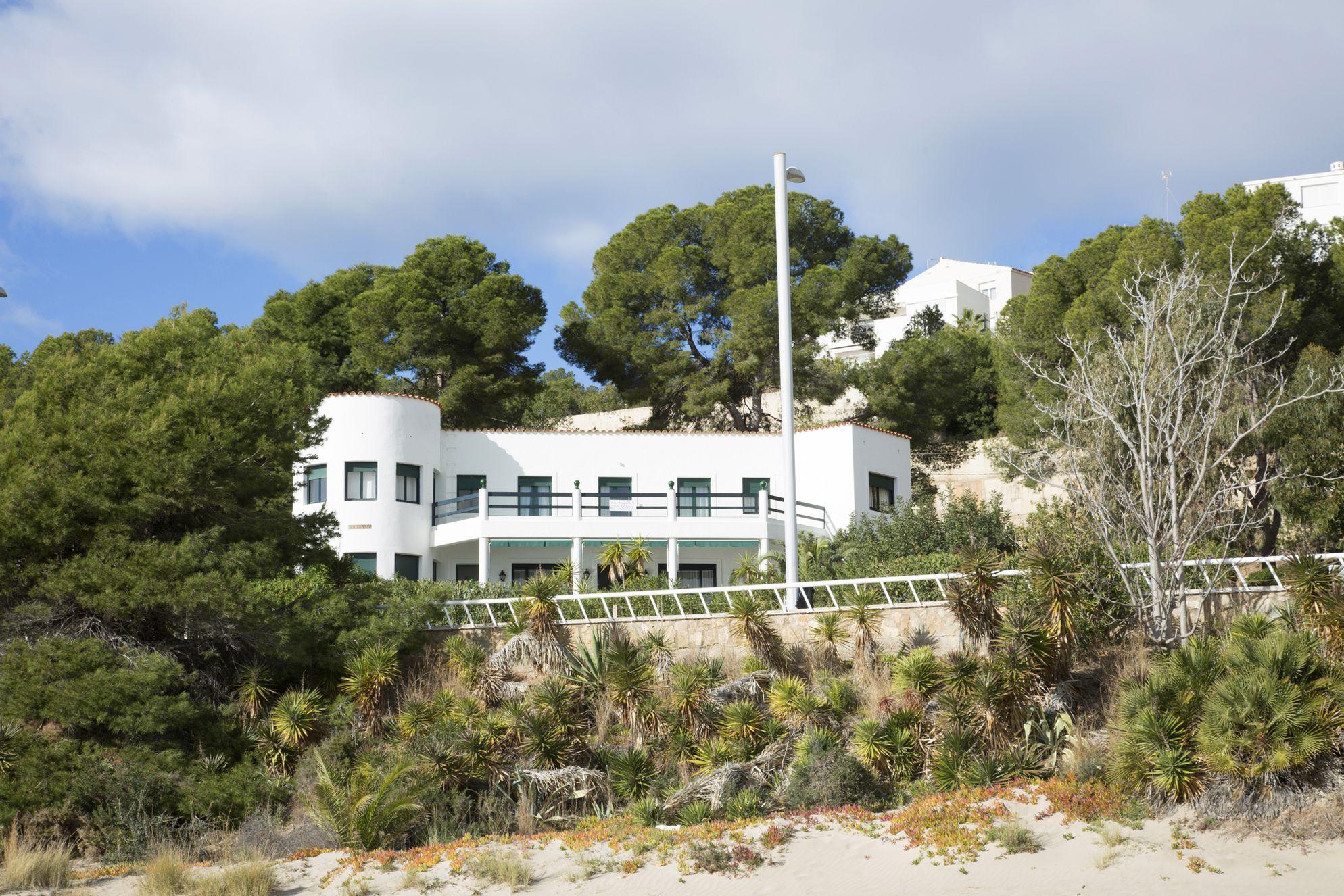 Villa Socarrat on the southern fringe of the built-up resort of Oropesa del Mar