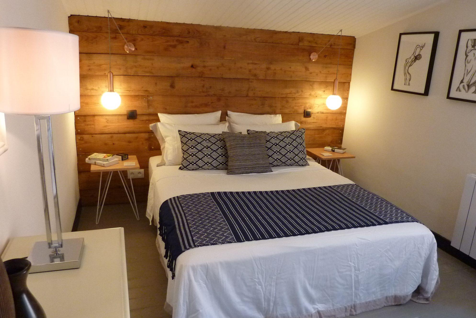 Cosy bedroom in My Secret Cruzy in Cruzy, Hérault