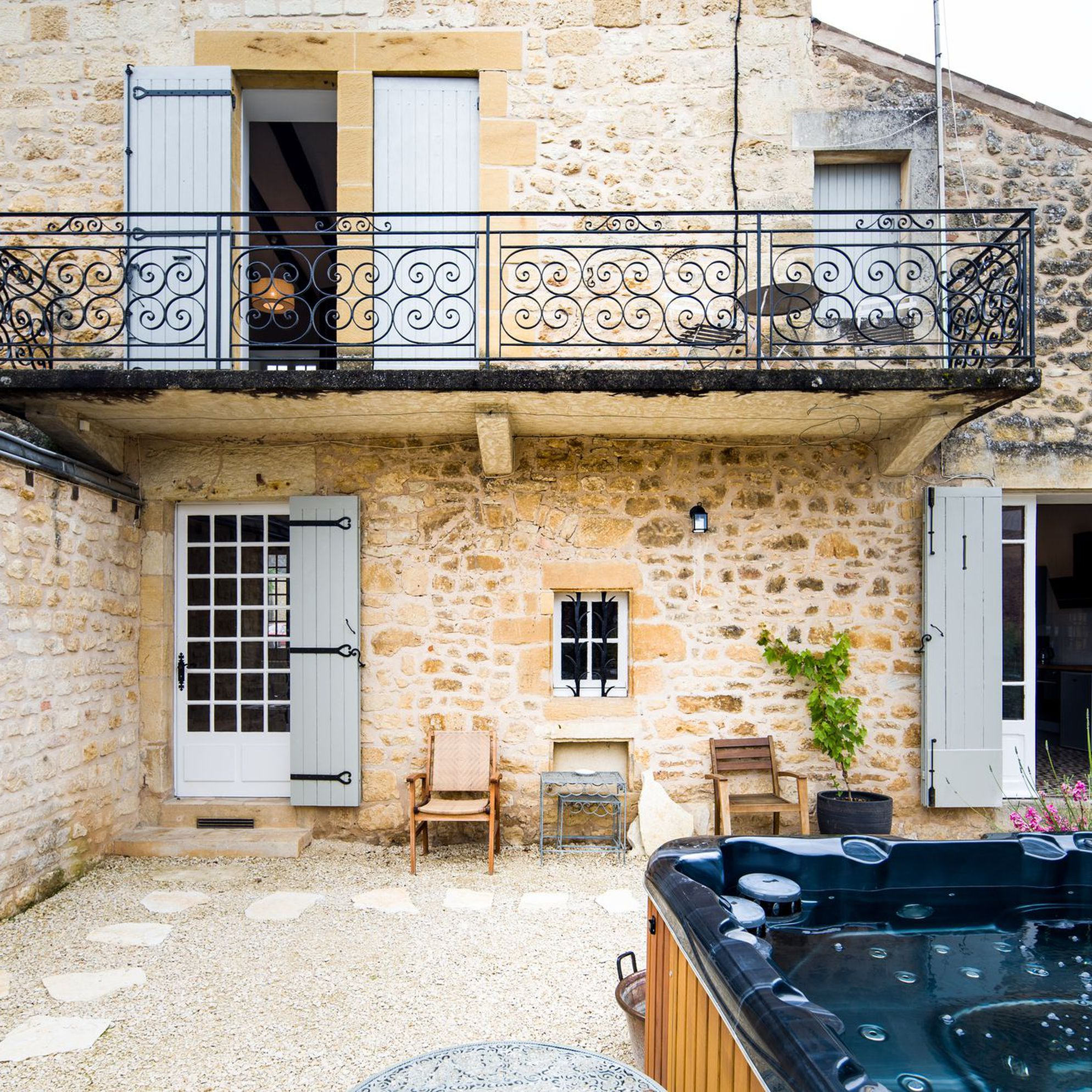 French gîtes with hot tubs