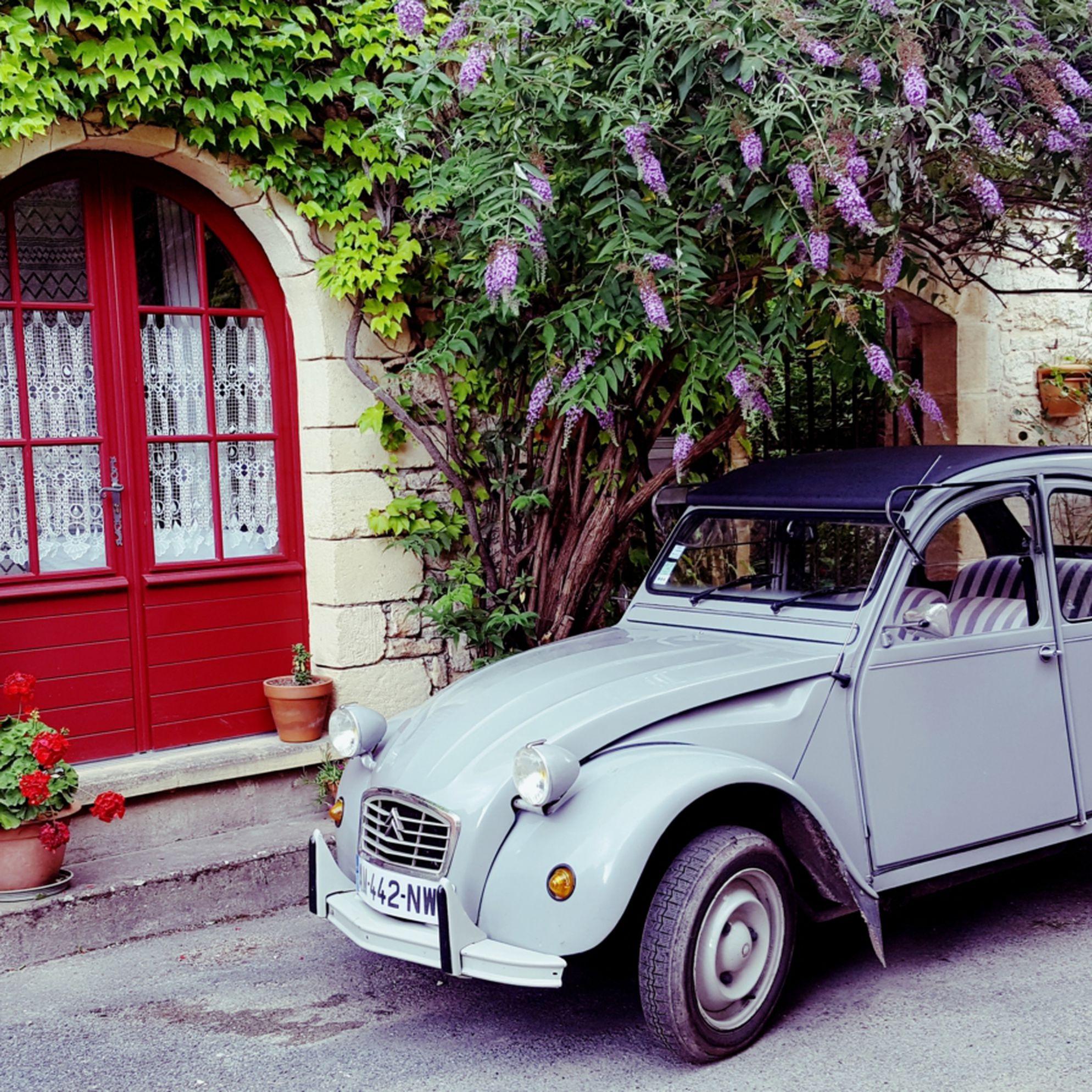 Lois Pryce's French 2CV adventure