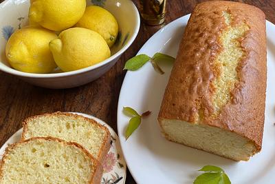 Traditional Spanish lemon cake
