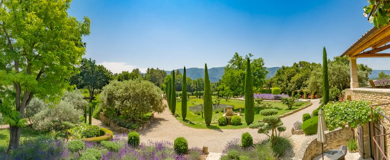 Get inspired by these beautiful French gardens