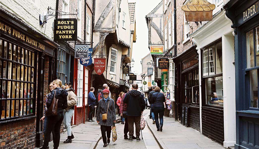 York The Shambles shoppers