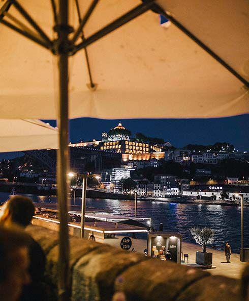 Tim Moore riverside dining, Porto