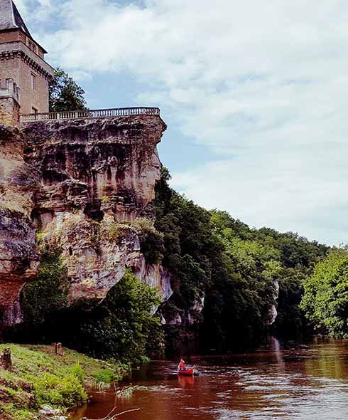 a canoe trip along the Vezere