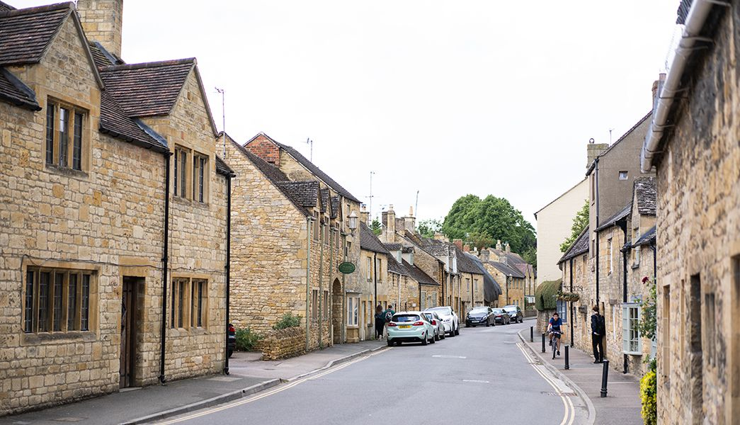 Slow Guide to Cotswolds